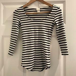 H&M black white striped 3/4 sleeve top
